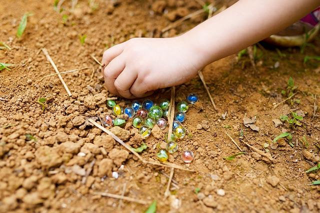 Zahrajte si s dětmi kuličky